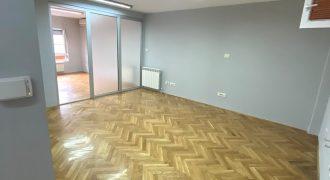 Trosoban stan, 58 m2, Zvezdara, Djeram, Lion