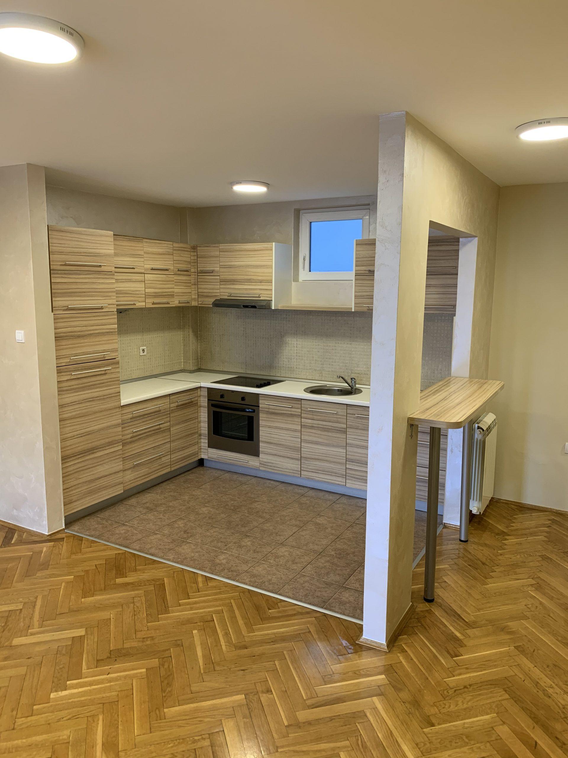 Porodični stan sa tri spavaće sobe